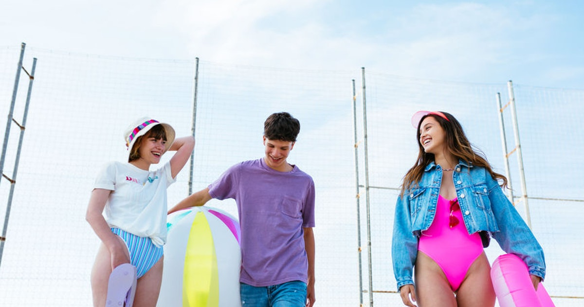 5 Tips For Making Third-Wheeling More Fun, Because The Best Things Come In Threes
